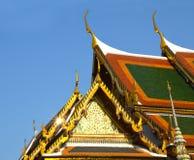 泰国公开寺庙0361的三角形屋顶 库存照片