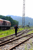 泰国公开火车和铁路员工火车站的在泰国 免版税库存照片