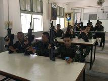 泰国军队战士训练使用枪 免版税图库摄影