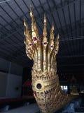 泰国国王在国家博物馆,曼谷,泰国皇家驳船头  库存照片
