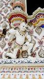 泰国在Pariwat寺庙,泰国的样式白色邪魔灰泥 免版税库存图片
