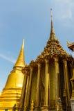 泰国塔在曼谷玉佛寺的王宫, 库存照片