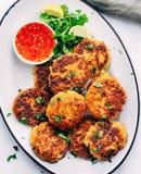 泰国大虾炸肉排-逐字五分钟预习功课,没有砍要求和另外15分钟烹调!如果您爱大虾 库存图片