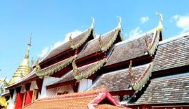 泰国屋顶的寺庙 库存照片
