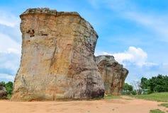 泰国平均观测距离Hin khao巨石阵,古老奇怪的石头是地标在Chaiyaphum省泰国 库存照片