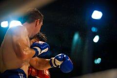 泰国拳击飞行异常分支muay的汗水 图库摄影