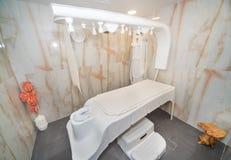 泰国按摩室在一家五星旅馆的温泉中心在Kranevo,保加利亚 免版税库存照片