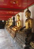 泰国曼谷市全景亚洲文化和金黄菩萨雕塑 库存图片