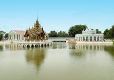 泰国样式亭子,轰隆Pa在宫殿,泰国 免版税图库摄影