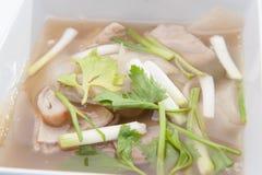 泰国样式明白鱼汤 免版税库存照片