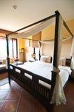 泰国样式热带卧室 免版税库存图片