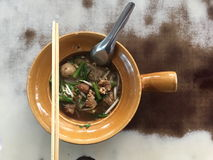 泰国样式猪肉汤面 免版税库存照片