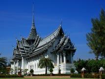泰国样式的寺庙 免版税库存图片