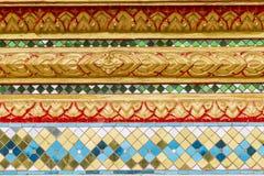 泰国样式设计在泰国寺庙墙壁艺术的 免版税库存图片