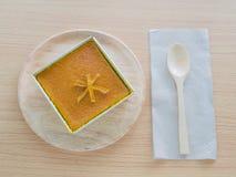 泰国椰子乳蛋糕正方形, Khanom鱼鳔Kaeng,泰国传统点心 免版税库存图片