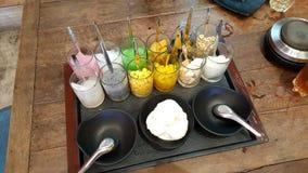 泰国椰子饯奶油服务withmany种类顶部 图库摄影