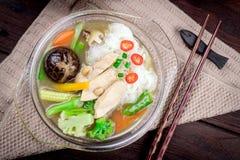 泰国油煎的面条,油煎的面条 免版税库存照片