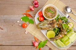 泰国油煎的鱼用辣的辣椒 库存图片