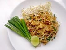 泰国泰国食物的垫,混乱与豆腐的油炸物面条在padthai样式 那个Thailands全国主菜 免版税库存照片