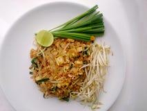 泰国泰国食物的垫,混乱与豆腐的油炸物面条在padthai样式 那个Thailands全国主菜 免版税库存图片