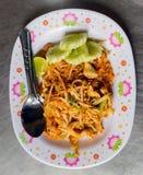 泰国泰国食物的垫,混乱在padthai样式的油炸物面条 免版税库存照片