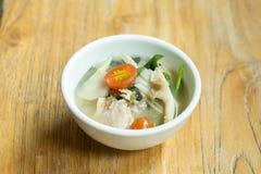 泰国清楚的辣热&酸汤鱼 库存照片