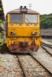泰国火车柴油路轨在市泰国 免版税库存图片