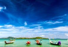 泰国热带海滩异乎寻常的风景 图库摄影