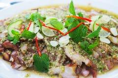 泰国烹调格栅辣猪肉沙拉 免版税库存图片