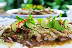泰国烹调格栅辣猪肉沙拉 图库摄影
