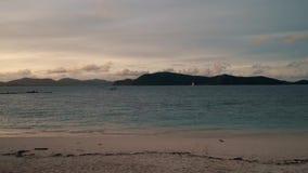 泰国珊瑚岛寄生虫射击了在海岛上的美好的日落 影视素材