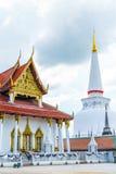 泰国的伟大的古老美丽的塔 免版税库存图片