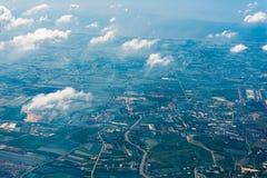 泰国的土地从一个巨大高度视图的从飞机 免版税库存照片