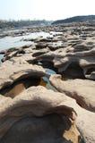 泰国的大峡谷和湄公河是名字山姆帕纳Bok (三千个孔)在乌汶叻差他尼泰国 免版税库存照片