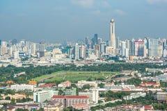 泰国的曼谷皇家草皮俱乐部在皇家光顾和曼谷都市风景下的 免版税库存图片