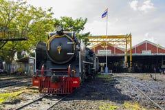泰国的THON-BURI活动集中处地方存贮和修理蒸汽机车 免版税库存照片