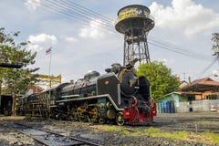 泰国的THON-BURI活动集中处地方存贮和修理蒸汽机车 免版税库存图片