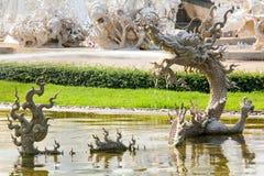 泰国神话龙雕塑 免版税库存照片