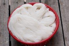 泰国米细面条,通常吃与用咖哩粉调制 图库摄影