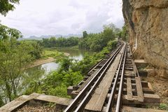 泰国缅甸死亡铁路跟随河Kwai,北碧,泰国的倾向 免版税库存图片