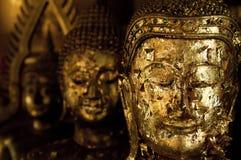 泰国菩萨头金叶 免版税图库摄影