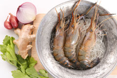 泰国被烘烤的虾的食谱用玻璃面条-顶视图 库存图片
