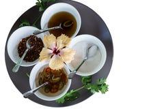 泰国调味品糖、醋、辣椒和鱼子酱 库存图片