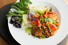 泰国超大虾沙拉 免版税库存照片