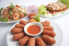 泰国辣味番茄酱的香肠 免版税库存图片