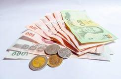 泰国金钱,在白色背景的泰铢 库存照片