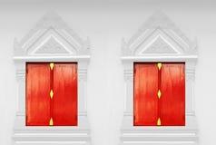 泰国门红色的寺庙 免版税库存照片