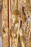 泰国雕刻在门 图库摄影
