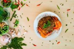 泰国面条和虾烘烤 免版税图库摄影
