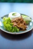 泰国食物、chickenwith大蒜和胡椒 免版税库存照片